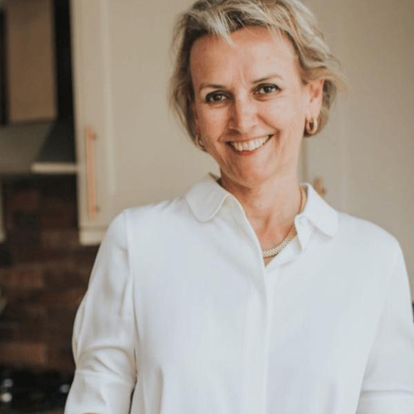 Dr Helen McCarthy